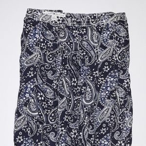 Pleated skirt in Navy, blue and white